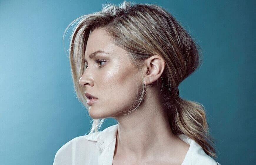 A woman who uses Musq cosmetics
